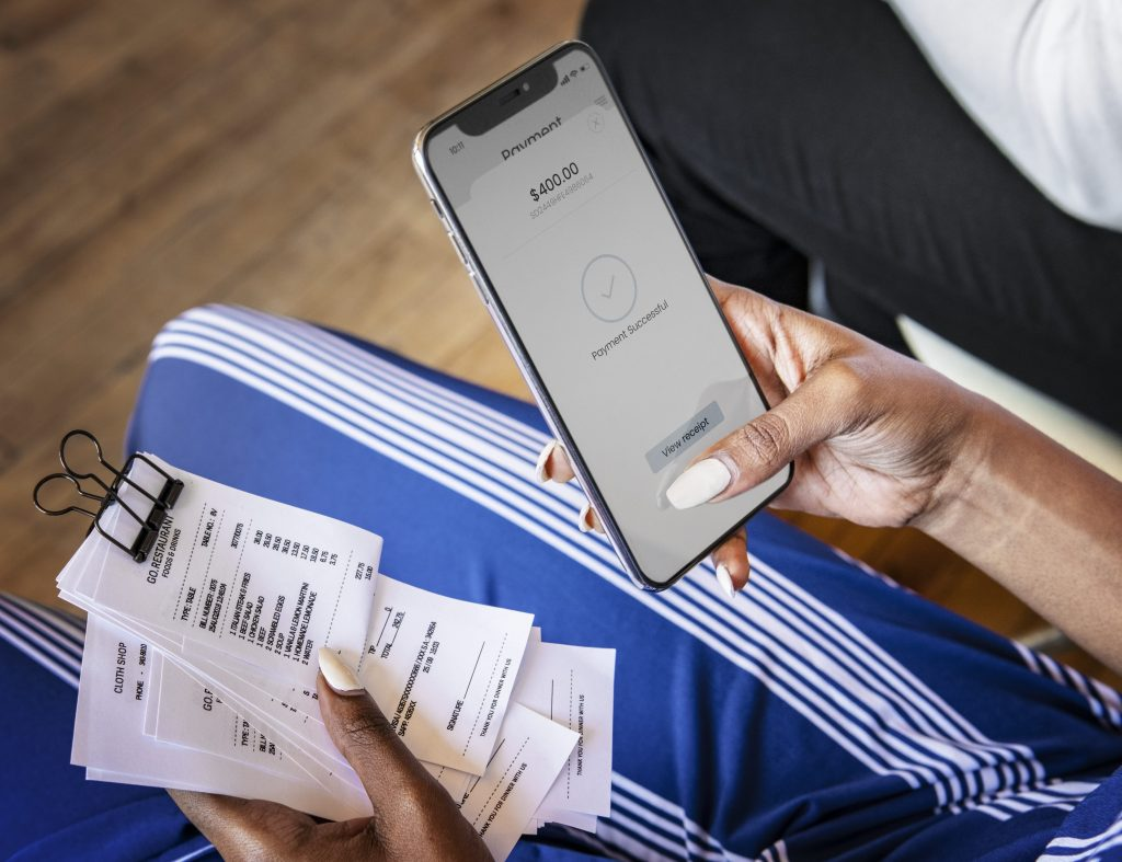 Paying bills with mobile payment app